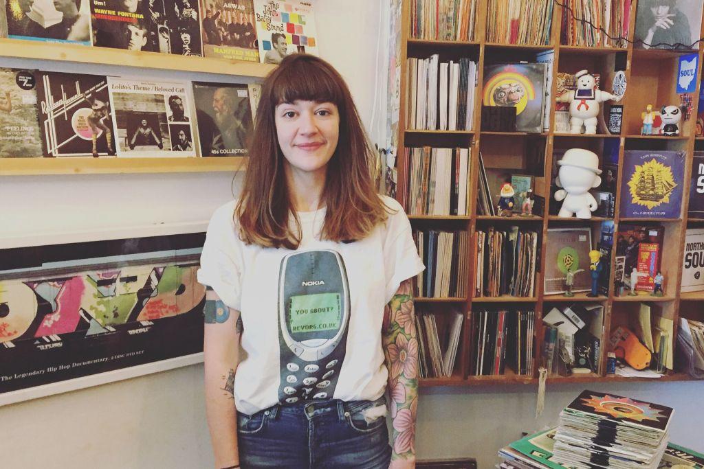 Sarah Evans Artist Image Main